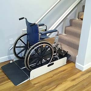 Inclined wheelchair lift